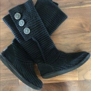 Black Ugg Cardi- Size 6 (fits like a 7.5-8)